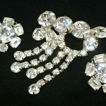 Vintage Rhinestone Brooch Clip On Earrings Demi Parure Art Deco 1930s 40s Wedding Bride Hollywood Glam Crystal Rhinestones Dangling Dangle