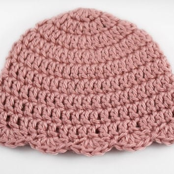 Pink Crochet Baby Hat with Scallop Edge // Newborn Girl Hat // Pink Newborn Beanie