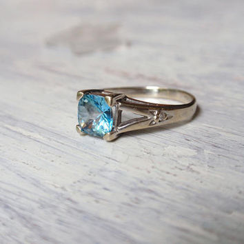 Blue Topaz Ring 10k white gold December birthstone retro unique ladies