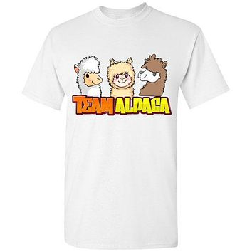 t-shirt: Team Alpaca Gildan Short-Sleve