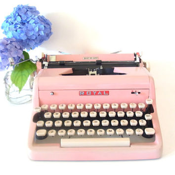 pink royal typewriter - working typewriter - pink typewriter royal quiet de luxe typewriter 1950 1960 mid century modern decor quiet deluxe