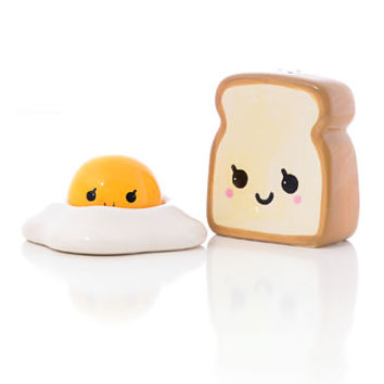 Sunny Side Up Salt & Pepper Shakers - PLASTICLAND