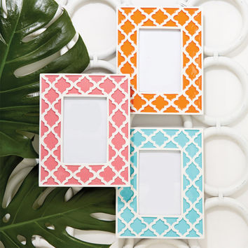 Quatrefoil Print Photo Frame