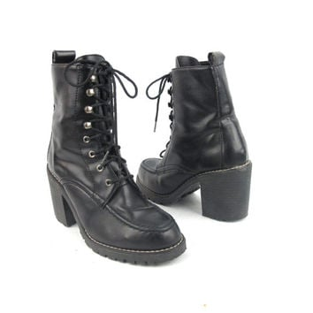 90s Grunge Lace Up Boots Black Chunky Heel Ankle Boots Black Vegan Faux Leather Boots (6)