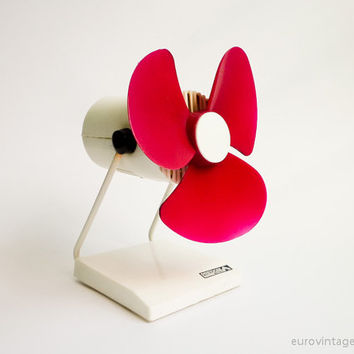 Decoration / Vintage Desk Electric FAN / Red Purple NOT WORKING