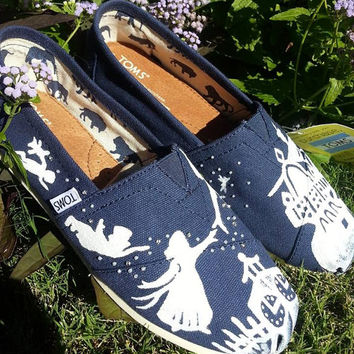 Ready to ship Peter Pan Disney Custom Toms Silhouette White Design Size 9.5