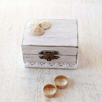White wedding ring box, Beach Wedding Ring Box, Custom Ring Box, Shabby Chic, Rustic Wedding Ring Bearer, Personalized Wood Ring Box