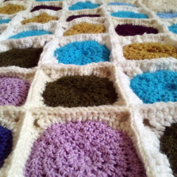 Crochet baby blanket round colorful pattern