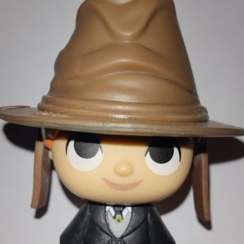 Ron with Sorting Hat Funko Mystery Minis Harry Potter Series 2