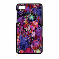 Lush Floral Pattern Beaming Orchid Purple BlackBerry Z10 Case