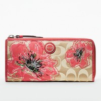 Womens Luxury Leather Wallets and Luxury Wristlets from Coach