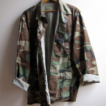 Vintage US Military Camouflage Camo Jacket Shirt Distressed Medium Regular