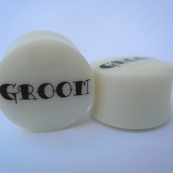 "Organic Bone Plugs / Gauges. Groom Wedding. 4g / 5mm, 2g / 6mm, 0g / 8mm, 00g / 10mm, 1/2"" / 12mm, 9/16"" / 14mm, 5/8"" / 16mm, 3/4"" / 19mm"