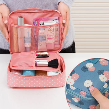 Brand Large-capacity Portable Toiletry Cosmetic Bag Waterproof Makeup Make Up Wash Organizer Storage Pouch Travel Kit Bag Hand