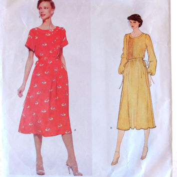 Vogue American Designer Albert Nipon 2124, Size 10, Elegant Pintucked Dress