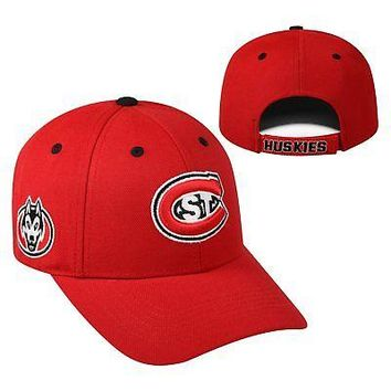 Licensed St. Cloud State Huskies NCAA Adjustable Triple Threat Hat Cap Top of the World KO_19_1