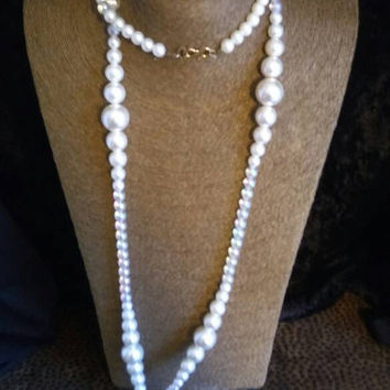 Vintage Long Necklace Flapper Jewelry Retro  Mad Men Faux Pearl 1 Strand Retro Collectible Accessories Old Hollywood Glamour