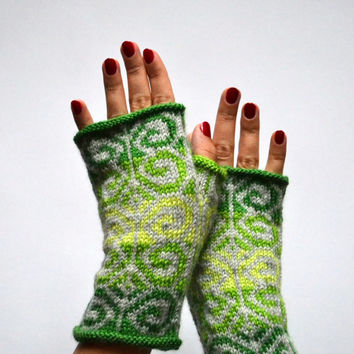 Green Fingerless Gloves - Green Gray Gloves - Fall Gloves - Boho Chick Indie - Green Wool Arm Warmers nO 131.