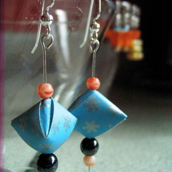 3D Pyramid Origami Earrings by pignkitty on Etsy