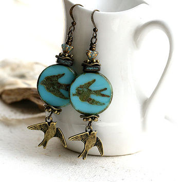 Bird charm earrings, Turquoise Blue Earrings, Swallow Earrings, Birds jewelry, Beaded Glass Earrings, Natural Jewelry, Blue birds
