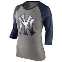 Nike New York Yankees Ladies Gradient Raglan Three-Quarter Length T-Shirt - Gray/Navy Blue