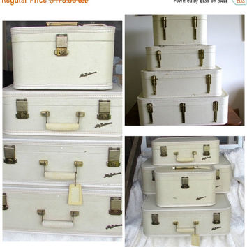 Christmasinjuly Lady Baltimore Luggage Set with Keys, Fashion Creamy White Suitcase, Travel Bags, Mid Century Suitcase, Movie or Photo Prop,