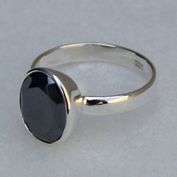 Hematite Ring, Natural Stone ring, Hematite Oval stone ,Handmade silver ring,Sterling Hematite Ring,Unique Dainty Ring  Size US 5 6 7 8 9 10
