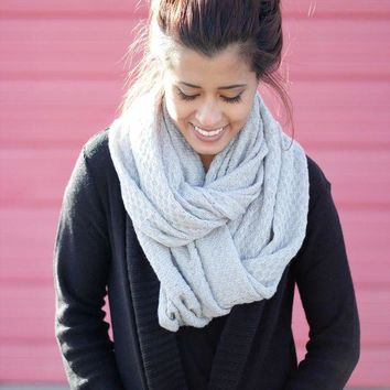 ONETOW Waffle Knit Infinity Scarf Day-First?