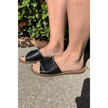 Stepping Out Sandal- Black