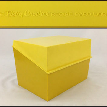 Large Bright Yellow Recipe Box Vintage Betty Crocker Recipe Card Library Box Retro Yellow Kitchen Storage Box Made in USA