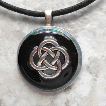 celtic knot necklace: black - mens jewelry - mens necklace - celtic jewelry - boyfriend gift - irish jewelry - unique gift - fathers day
