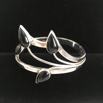 Taxco Sterling Silver Bracelet, Onyx Calla Lily Modernist Hinged Cuff Bangle Signed TL17, Vintage Mexico 925 Jewelry