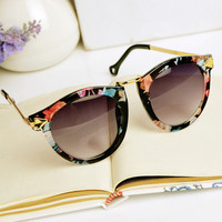 Flora Print Cat Eye Sunglasses 09YU