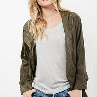 DailyLook: Glamorous Floral Print Anorak in Olive XS - L