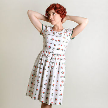 1950s Rose Dress - Vintage Mini White Floral Day Dress - Small