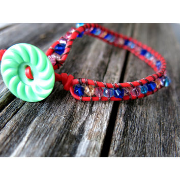 Pink Orange Navy Blue Crackle Bicone Glass Beaded Single Red Wrap Bracelet - Green Ripple Vintage Button
