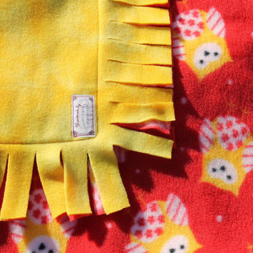 No Knot Sewn Fleece Tag Baby Blanket - Owls on Red with Marbled Yellow Reverse 29x36