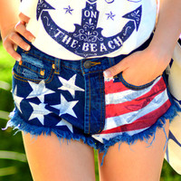 AMERICAN WOMAN HIGH WAIST SHORTS