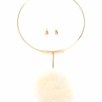 All Faux Fur It Pom-Pom Necklace Set