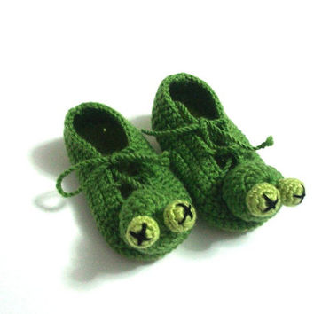 Green Frog Baby Booties, baby slippers, animal crochet baby shoes, crochet baby booties 0 -12 month baby, crochet baby shoes, baby socks