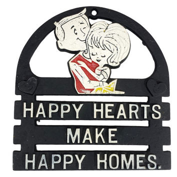 Vintage Metal Trivet with Saying, Happy Hearts Make Happy Homes, Kitschy Kitchen Mid Century Wall Decor, Newlywed Anniversary Couples Gifts