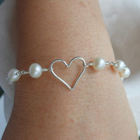 Pearl Bracelet, Silver Heart, Bridesmaid Bracelet, Gifts for Bridesmaid, Maid of Honor Gift, Gifts for Friends, Sisters, Wedding Jewelry