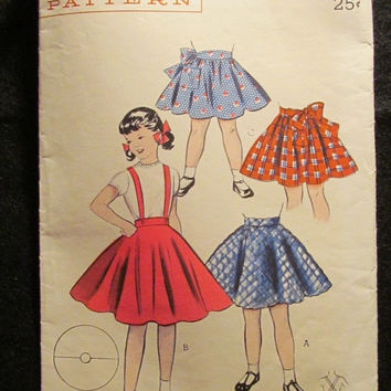 Sale 1950's Butterick Sewing Pattern, 6604! Size 2 Toddlers/Girls/Kid/Child Full Flare Skirts or Petticoats/Circle Shirred Skirt/Suspenders/
