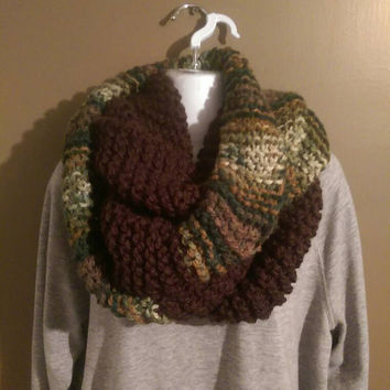 Camo and Brown Knit Infinity Scarf, Chunky Infinity Scarf, Camouflage Scarf for Winter