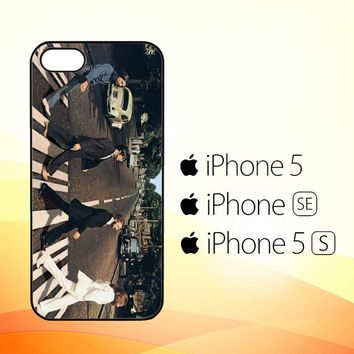 THE BEATLES ABBEY ROAD V1740  iPhone 5|5S|SE Case