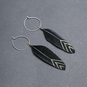 Chevron earring Black earring Feather jewelry Small hoops Black feather Ethnic jewelry Tribal earring Summer jewelry Chevron Native american