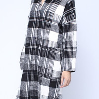 Vintage Black White Plaid Long Sleeve Pockets Long Coat * free shipping *