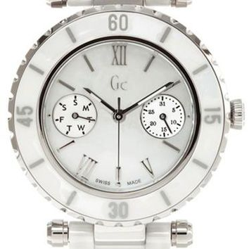 GUESS Diver Chic White Ceramic Watch G35003L1