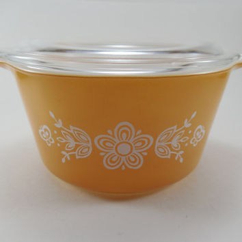 Vintage Pyrex Butterfly Gold 1 Quart Casserole With Lid Number 473 Pyrex Covered Casserole Dish Bowl 1 QT 1970's