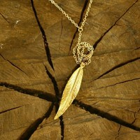 long feather y necklace